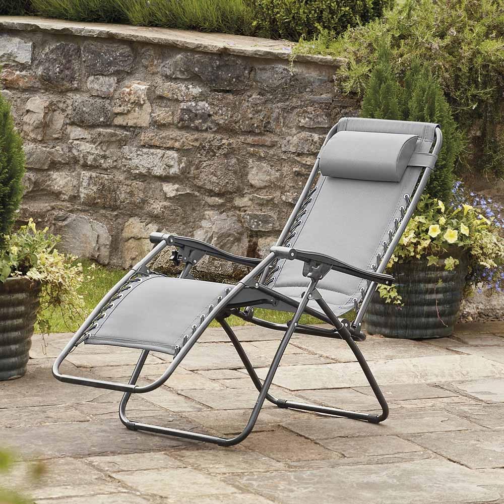 Garden Gear Padded Zero Gravity Chair  Garden Gear